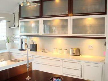 Reto kitchens interiors under1roof for Reto kitchens